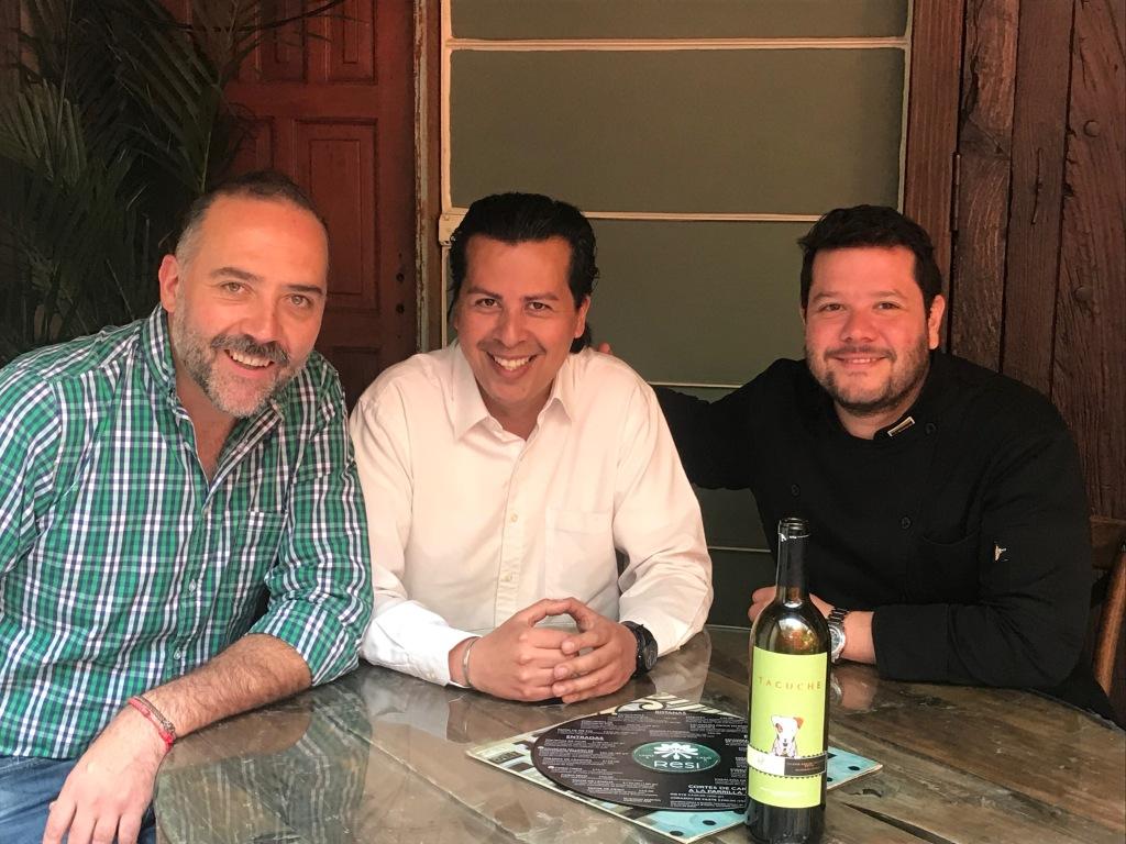 De izquierda a derecha Patricio Santín, Viceman y Chef Diego Carreño